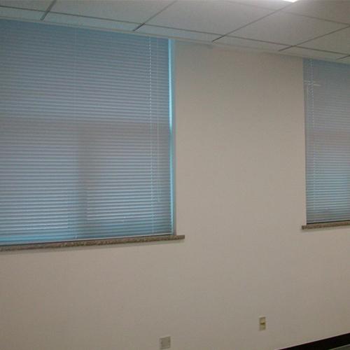 办公室电动窗帘